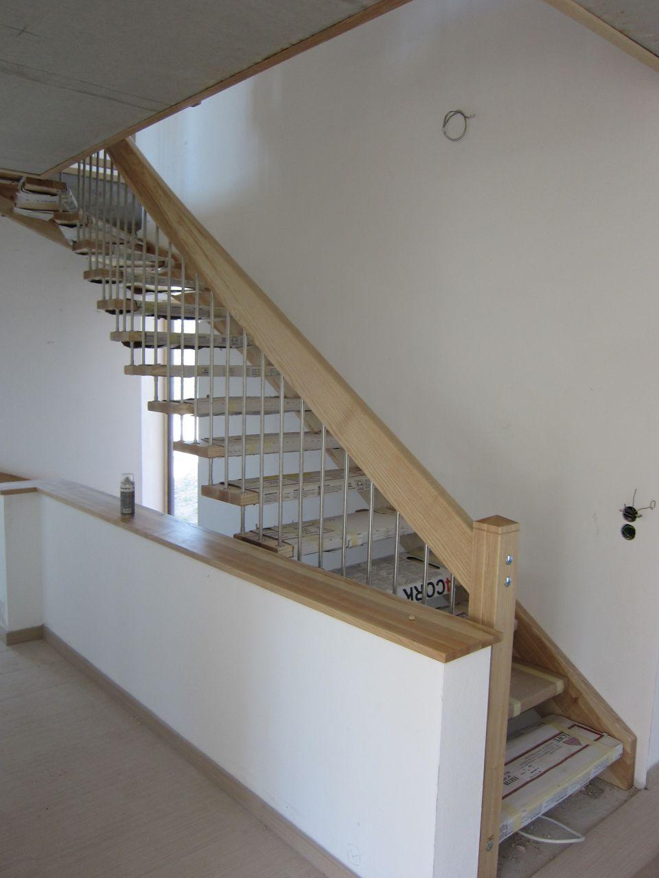 Handlauf Treppe schreinerei weiß martinshöhe1 92277 hohenburg
